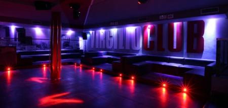 Sabato 5 dicembre al virgilio club locali discoteche for Salotto la veronica